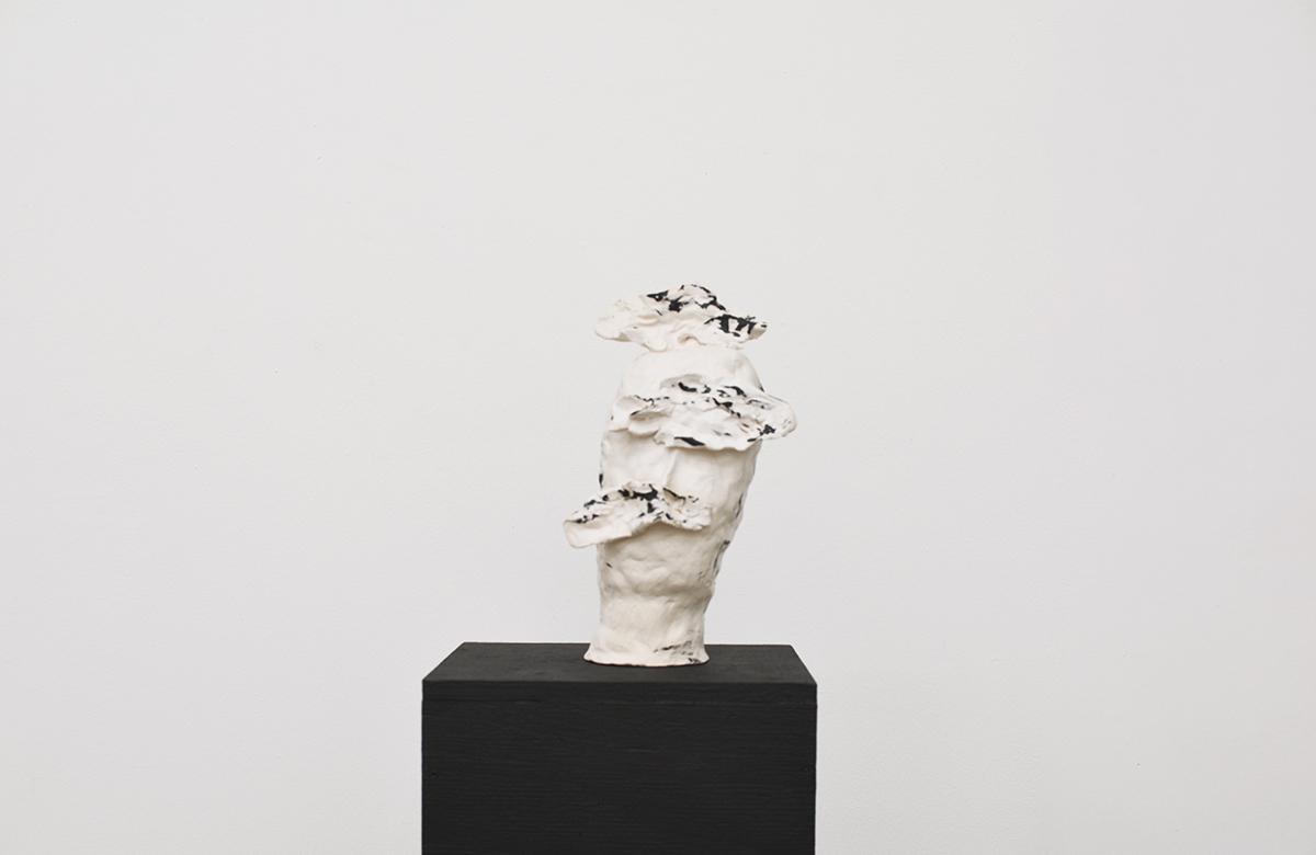 Aline Vergnano - Clouds, glazed earthenware, 13x26x13 cm, 2017