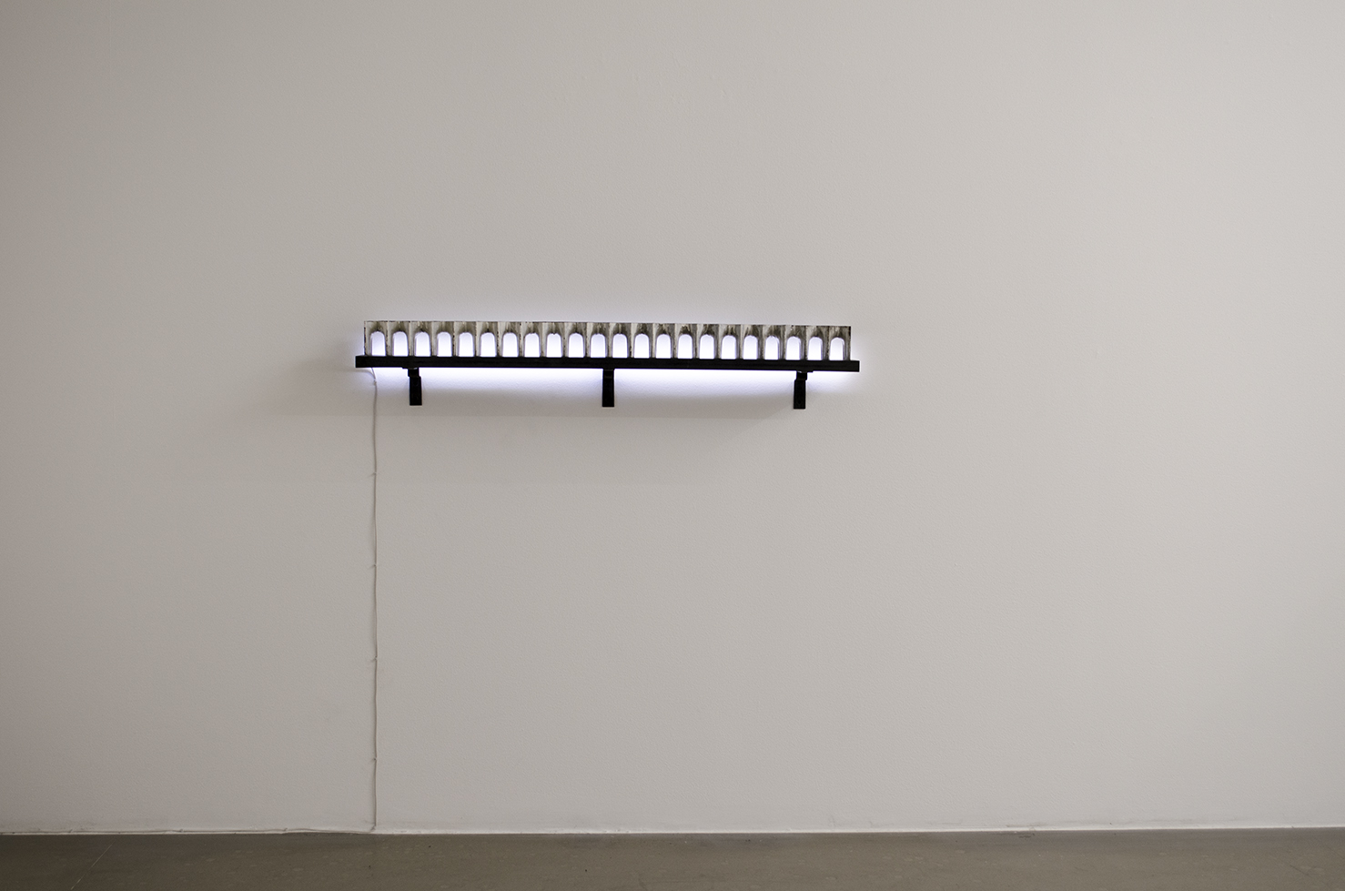 Length 1,03 meter - parts of radiator; iron, valchromat, led-light