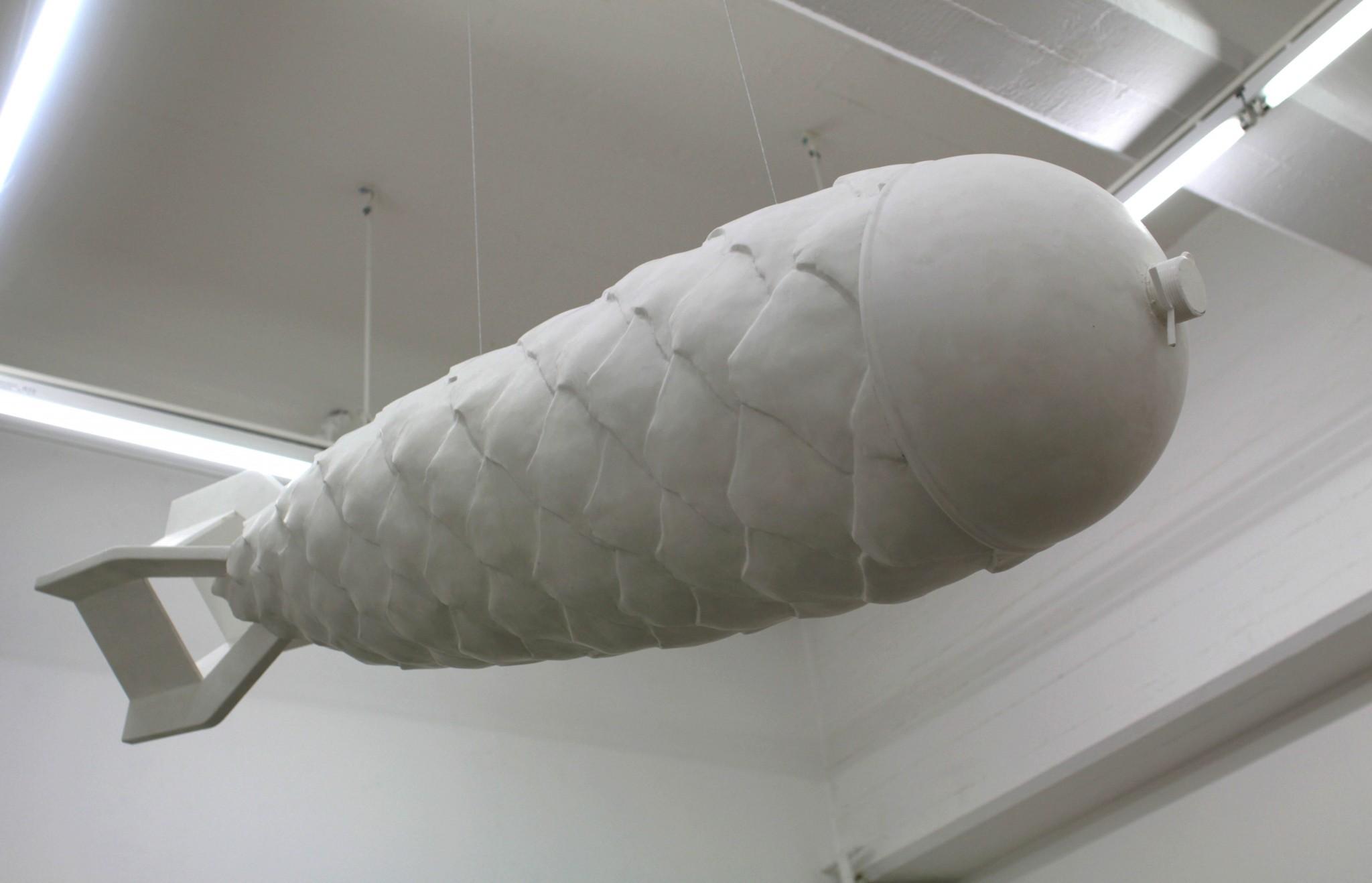 nn, 30x130 cm, (skulptur) 2018 Material Gjutplats, akryl