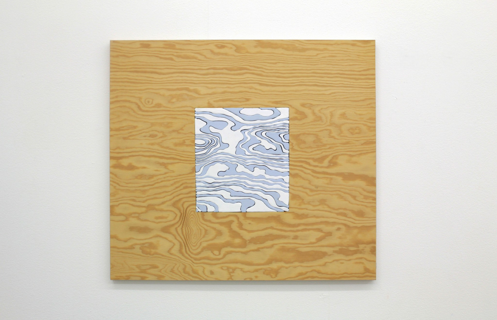 within-within-blå-60x66cm-2018-Material-vaxad-träpanel-vinylfärg
